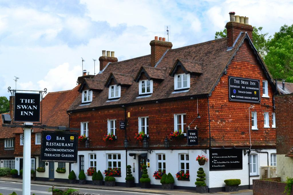 Top 8 boutique hotels in surrey guildford farnham for Best boutique hotels london 2016